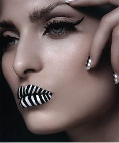 Flawless Blending, A Winged Eye, and Black & White Lips. What do you think?