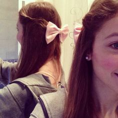 The one time I wore a bow in my hair... It looked so cute