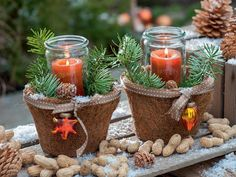 Weihnachtsdekoration in Kupfertönen
