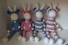 Jopas on blogi ollut kauan unilla. Virkkailtua on tullut vaihtelevalla menestyksellä, mutta tänne en ole saanut aikaiseksi tekstejä.   Nyt ... Diy Crochet, Smurfs, Diy And Crafts, Christmas Ornaments, Sewing, Knitting, Create, Holiday Decor, Crocheting