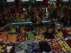 Fruta variada.  Uma rua em Roma (2008)