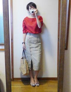 モコーデ: ユニクロ赤を効かせたレディなコーデと今夜はサボリ、ラーメン屋 7月13日 Waist Skirt, High Waisted Skirt, Skirts, Summer, How To Make, Closet, Style, Fashion, Dresses