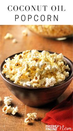 Are you looking for easy and delicious low-calorie snacks? This Low-Calorie Popcorn with Coconut Oil recipe is a super simple yet incredibly delicious low-calorie recipe you can whip up in about four minutes. To make popcorn cooked in coconut oil, all you need is coconut oil, organic popcorn kernels, and sea salt. That's it! #lowcalorierecipes #lowcaloriesnacks #coconutoiluses #popcornrecipes Low Calorie Popcorn, Low Calorie Snacks, Low Calorie Recipes, Healthy Recipes, Diabetic Recipes, Free Recipes, Coconut Oil Popcorn, Easy No Bake Desserts, Popcorn Recipes