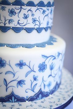 Delft Blue cake @Liliana Lytvyn Romero I don't want to get ahead of myself, but damn, this is beautiful. If I ever get married I might have to plan my wedding around this cake!