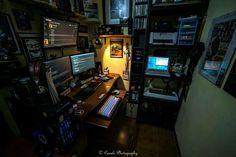 10 DIY Computer Desk Ideas for Home Office - Interior Pedia Computer Desk Setup, Gaming Room Setup, Pc Setup, Gaming Computer, Gaming Rooms, Kitt Car, Watercooling Pc, Video Game Rooms, Home Office Setup