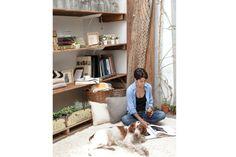 La Directora de arte, fotografía y dueña de Enseres en su living-sala de reuniones..  Foto:  Foto: Victoria Schiopetto