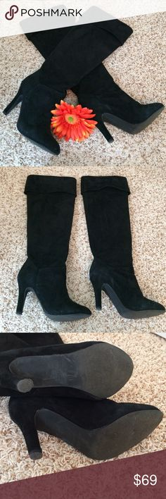 """🌟Final Price🌟COLIN STUART Black Suede Boots❤️ 🎉Host Pick - Pretty, Flirty & Girly Party 7/22🎉 Beautiful! EUC! Worn 1-2 times. Knee high, slip on suede boots. Size 8.5, approx heel height 4"""". ✨Bundle & Save!✨ Colin Stuart Shoes Heeled Boots"""