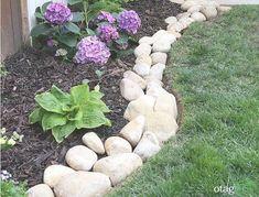 River rocks garden law edge - Home Decorating Trends - Homedit Garden Law, Lawn And Garden, Garden Beds, River Rock Landscaping, Landscaping With Rocks, Backyard Landscaping, Backyard Patio, Lawn Edging Bricks, Rock Edging