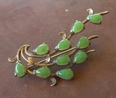 Vintage Jade Brooch Pin Hallmarked JAPAN Gold over Sterling Vermeil Jewelry by BuyVintageJewelry