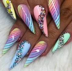 Gorgeous Acrylic Stiletto Nails Design In Summer - Nail Art Connect Sexy Nails, Dope Nails, Bling Nails, Stiletto Nails, Elegant Nails, Stylish Nails, Rainbow Nails, Cute Nail Art, Halloween Nail Art