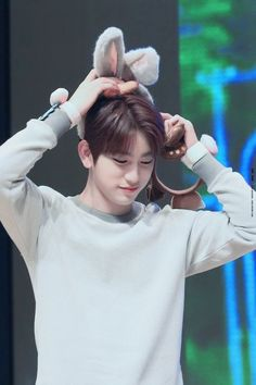 Now Jinyoungie is a bun bun! Mark Jackson, Jackson And Bambam, Mark Bambam, Jackson Wang, Youngjae, Kim Yugyeom, Jaebum, Park Jinyoung, Got7 Jinyoung