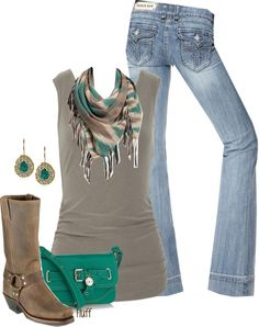 Love the green accents on the scarf with the purse!