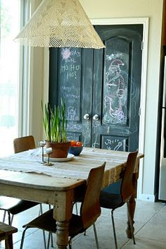 the chalk painted door is a must have