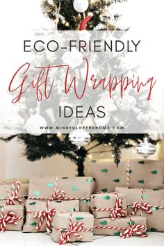 Want some zero-waste gift wrapping ideas? These eco-friendly gift-wrapping methods will reduce so much waste, especially during the Christmas holidays. Decoration Christmas, Christmas Gifts, Green Christmas, Christmas Ideas, Xmas, Wrapping Ideas, Gift Wrapping, Sustainable Gifts, Sustainable Living