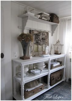 White two tier table