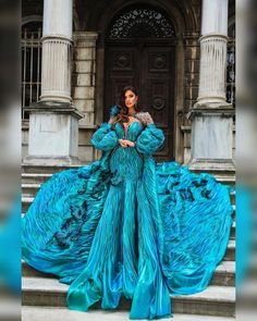 """1.803 aprecieri, 29 comentarii - Patrycja Kujawa (@kujawa.patrycja_designer) pe Instagram: """"Tego foto tu jeszcze nie było . Niech Wam się przyśni mnóstwo motyli 💙 Ps. Pierwszego wzorcowego…"""" Nice Dresses, Amazing Dresses, Formal Dresses, Ball Gowns, Bright, Fashion Outfits, Photo And Video, Disney Princess, Instagram"""