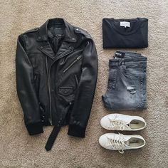 Black moto leather jacket black t shirt grey torn jeans white comme de garçons converse lows Mens Fashion Blog, Tomboy Fashion, Men's Fashion, Stylish Mens Outfits, Casual Outfits, Stylish Clothes, Moda Blog, Leather Jacket Outfits, Outfit Grid