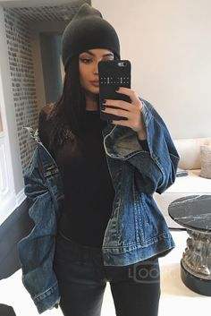 Find images and videos about outfit, moda and kylie jenner on We Heart It - the app to get lost in what you love. Kris Jenner, Kylie Jenner Mode, Kylie Jenner Fotos, Trajes Kylie Jenner, Looks Kylie Jenner, Khloe Kardashian, Kardashian Kollection, Robert Kardashian, Fall Outfits