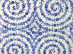 Turkish tile (by Van Swearingen) Turkish Art, Turkish Tiles, Tile Art, Mosaic Tiles, Textile Patterns, Print Patterns, Textiles, Love Blue, Blue And White