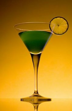 St. Patrick's Day Irish Martini,St. Patrick's Day Cocktails ideas, St Patrick's day drink ideas, St Patricks Day Food Ideas  #st #patricks #food #ideas #drink www.loveitsomuch.com