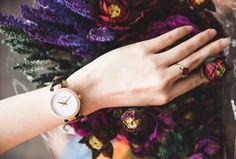 Có Nên Mua Đồng Hồ Ở Hải Triều Khi Săn Tìm Michael Kors?  Có nên mua đồng hồ ở Hải Triều khi muốn tìm cho mình những thiết kế thời trang đến từ thương hiệu Michael Kors là một trong những câu hỏi của nhiều người quan tâm. Chính những băn khoăn, liệu điểm đến này có đảm bảo được giữa chất lượng và sức hút thời trang để tiến đến xu hướng trong khi cuộc chiến thời thời trang sành điệu đang tiến bước hằng ngày.