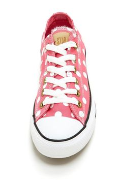 I love converse sneakers. Converse Rose, Converse All Star, Converse Chuck Taylor, Pretty Shoes, Cute Shoes, Me Too Shoes, Look Fashion, Fashion Shoes, Jouer Au Basket