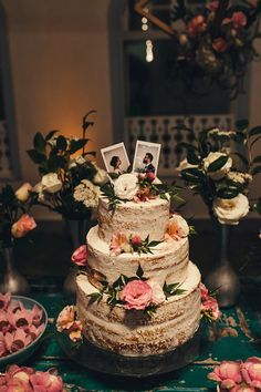 For those with a sweet tooth, selecting the perfect wedding cake for one's wedding can prove to be one of the favorite aspects of the wedding planning process. Wedding Flower Decorations, Wedding Cakes With Flowers, Flowers Decoration, Flower Cakes, Perfect Wedding, Dream Wedding, Wedding Day, Gold Wedding, Wedding Cake Rustic