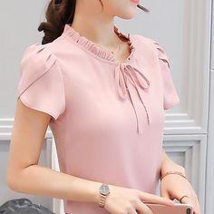 Source by dresses teenage Dress Neck Designs, Stylish Dress Designs, Designs For Dresses, Stylish Dresses, Blouse Designs, Salwar Designs, Women's Dresses, Fashion Dresses, Tops Vintage
