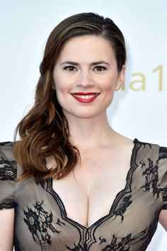 'Agent Carter' Hayley Atwell: First Season 2 Details Out, Find Out What Phil Coulson Clark Gregg Feels About 'Captain America' Spinoff! Hayley Atwell, Hayley Elizabeth Atwell, Beautiful Celebrities, Beautiful Actresses, Gorgeous Women, Gorgeous Gorgeous, Actrices Hollywood, Bikini Images, Hailey Baldwin