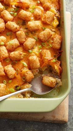 Hearty ground beef and green chiles are layered between Tater Tots™ in this deliciously cheesy casserole that's quick to assemble. Like it spicy? Use shredded pepper Jack cheese in place of Cheddar cheese to add some extra zip. Green Chili Casserole, Tater Tot Casserole, Tater Tots, Breakfast Casserole, Eat Breakfast, Whole 30 Chicken Recipes, Dump Meals, Thing 1, Pressure Cooker Recipes