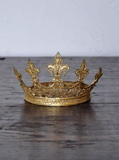 Antique French Crown Tiara. Yes, I'd like to wear this.