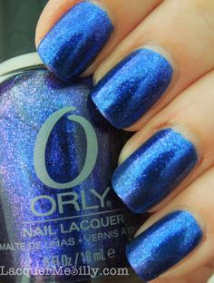 Orly Lunar Eclipse is a vibrant royal blue that shifts to into a blue, purple and magenta multi-chrome. I didn't expect it, but this is my favorite of the three.