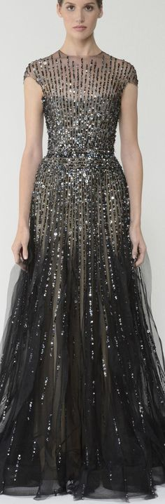 I think this dress is beautiful! One day I will have an event to go to so I can wear a fancy dress like this!!