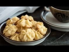 Butter Cookies (Pastisetas) Recipe Butter Cookies - soft inside almost melting in your mouth with a bit of crispy texture on the outside buttery and rich. They are great alongside morning t. Sugar Cookie Recipe With Margarine, Butter Cookies Recipe, Coconut Cookies, Cookie Recipes, Snack Recipes, Dessert Recipes, Snacks, Chocolate Thumbprint Cookies, Biscuits