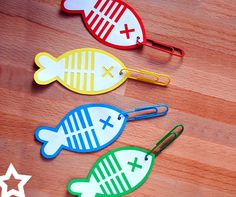 Singing time idea: Fishing game with printable template Kids Crafts, Arts And Crafts, Toddler Activities, Preschool Activities, Diy With Kids, Fabric Crafts, Paper Crafts, Singing Time, Diy Games