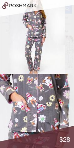 PJ Salvage 2 Piece Set Hip fit pajama set with button front top and two pockets Lounge pants have elasticized waist with drawcord 100% Cotton Flannel Size: Small(4) COLOR- GREY HIPPIE MONKEY PJ Salvage Intimates & Sleepwear Pajamas
