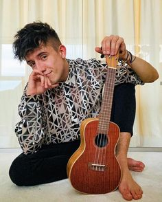 Idol, Music Instruments, Guitar, Musical Instruments, Guitars
