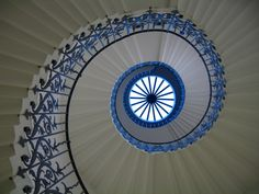 blue & white spiral~