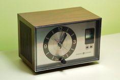 General Electric Radio Alarm Clock
