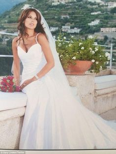 Aliona vilani wedding dress
