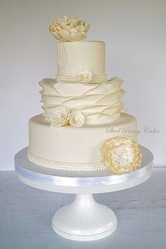 Beautiful wedding cake vintage