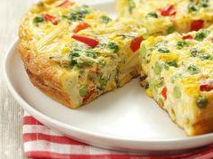 Omelett mit Nudeln und buntem Gemüse (Frittata veneta) - smarter - Zeit: 30 Min.   eatsmarter.de hat Ihr schon einmal Omelett mit Penne probiert?