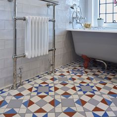Eltham pattern shown with Bennett border with Winchester wall tiles