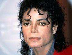 El guionista de X-Men David Hayter revela los nombres de varios famosos que hicieron casting, incluyendo Michael Jackson para Charles Xavier.