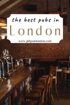 Whether you meet at the pub with friends for a drink or you have a casual work meeting or you're there to celebrate a special occasion, it's been said that a pub is a British person's living room, meaning that it's here that they hang out and entertain. Travel Guides, Travel Tips, Best Countries In Europe, London With Kids, Work Meeting, Best Pubs, London Night, London Attractions, London Food