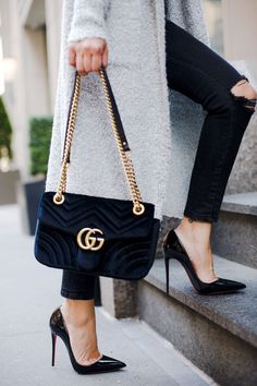 Christian Louboutin So Kate Pumps. 5 Iconic Designer Heels Every Woman Must Own – louis vuitton necklace Fall Handbags, Gucci Handbags, Luxury Handbags, Designer Handbags, Cheap Handbags, Designer Bags, Gucci Bags, Popular Handbags, Gucci Purses