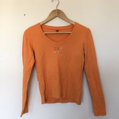 2b2ef3292d39ae NEW IN - Super cute y2k Esprit long sleeved top 🍑 - Depop Asos