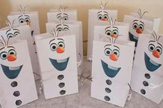 Olaf Frozen favor bags and sno-cone cups Frozen Favor Bags, Frozen Party Favors, Frozen Themed Birthday Party, Party Favor Bags, Goody Bags, Favor Boxes, Olaf Birthday Party, Olaf Party, 3rd Birthday Parties
