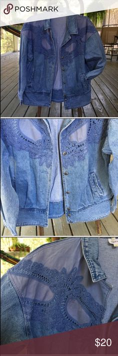 "90s Vintage Oversized Jean Jacket Size Large So, so cute!  Reminds me of something Rachel from Friends would wear!   Would also fit a small and medium, just depending on the fit you'd want. :)  A few marks on each sleeve (have been pictured) that I haven't been able to get out, but I haven't tried to spot treat.    22"" bust, 16 1/2"" sleeve from pit down, 24 1/2"" length, approximately.   🐶🐶 Pet friendly home.  