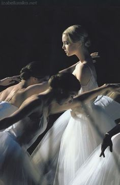 Izabella Miko | BALLET photography | BALLERINA | pinned by http://www.cupkes.com/